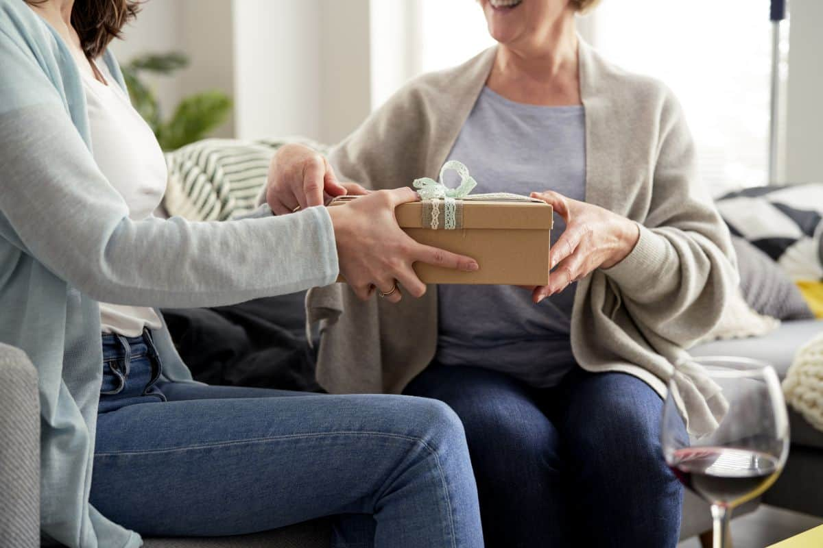 best retirement gifts for women